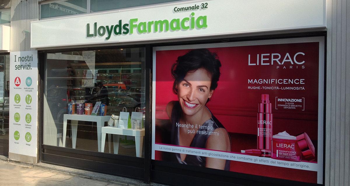 Lloyds farmacia vetrina