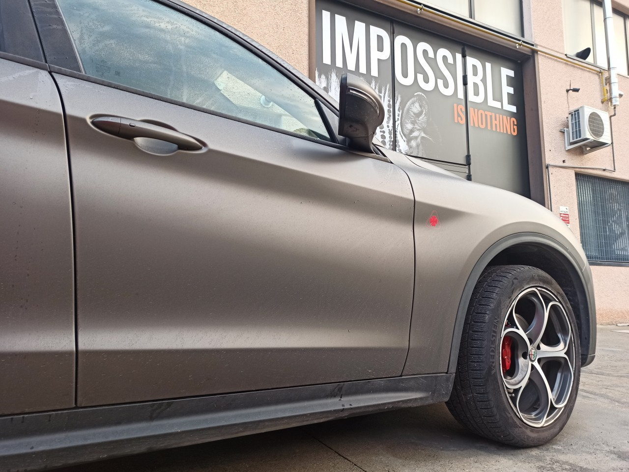car wrapping Bologna - Alfa Romeo Stelvio